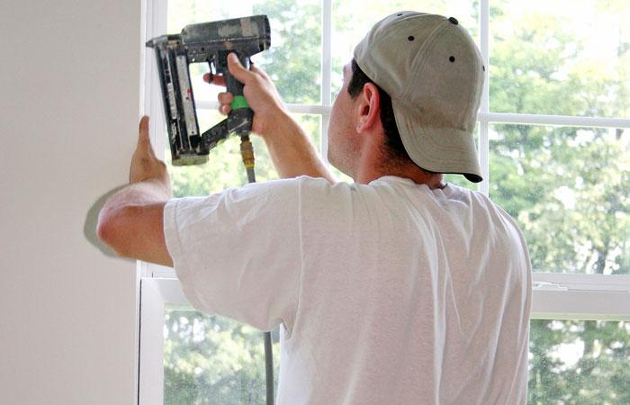 montera fönster smyg med spikpistol